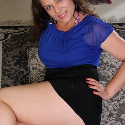 Katrina Sobar in 'Anilos' Undress And Unwind (Thumbnail 3)