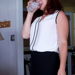 Kimberlee Cline in 'Anilos' Game Changer (Thumbnail 1)