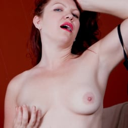 Kimberlee Cline in 'Anilos' Something Special (Thumbnail 9)
