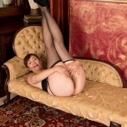 Kitty Creamer in 'Anilos' Private Dressing Room (Thumbnail 12)