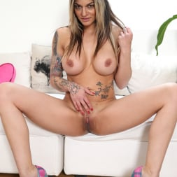 Klarisa Leone in 'Anilos' How To Please (Thumbnail 11)