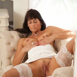 Lelani Tizzie in 'Anilos' First Time Jitters (Thumbnail 10)