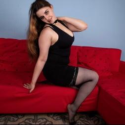 Lenna in 'Anilos' Busty Beauty (Thumbnail 2)