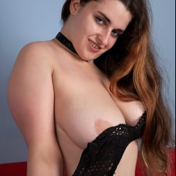 Lenna in 'Anilos' Busty Beauty (Thumbnail 8)