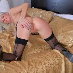 Lexi Lou in 'Anilos' Pretty Blonde (Thumbnail 9)