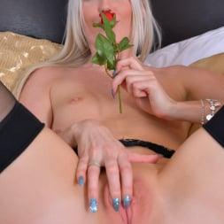 Lexi Lou in 'Anilos' Pretty Blonde (Thumbnail 11)