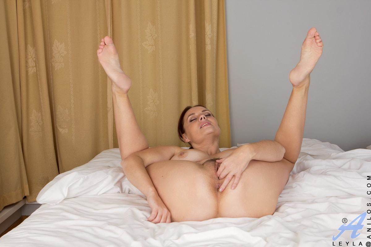 Anilos 'Time To Unwind' starring Leyla (Photo 9)