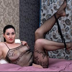Leyla Lynn in 'Anilos' Undress Me (Thumbnail 7)