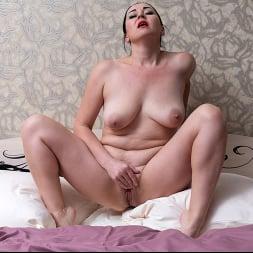 Leyla Lynn in 'Anilos' Undress Me (Thumbnail 15)