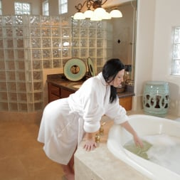 Licious Gia in 'Anilos' Relaxing Bath (Thumbnail 1)