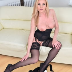 Lili Peterson in 'Anilos' Gorgeous Blonde (Thumbnail 9)
