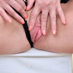 Lili Peterson in 'Anilos' Mature Toy Masturbation (Thumbnail 8)