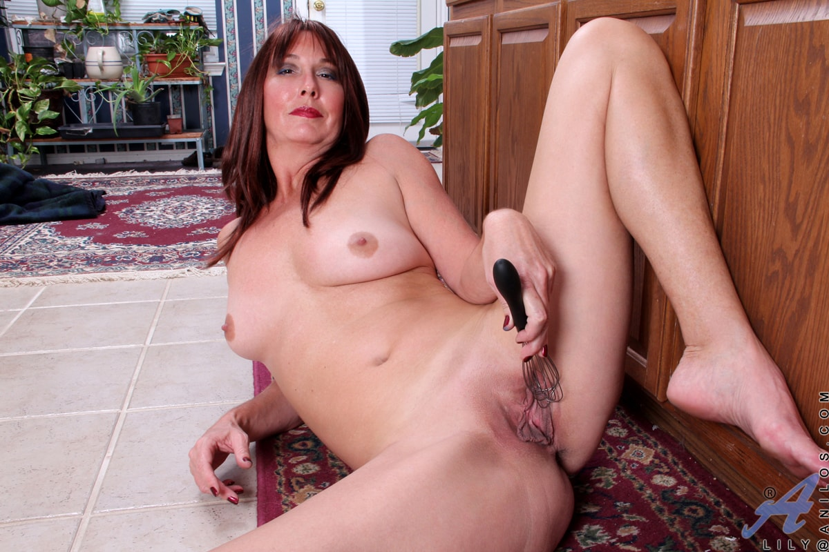 Anilos 'Cooking Gets Her Excited' starring Lily (Photo 12)