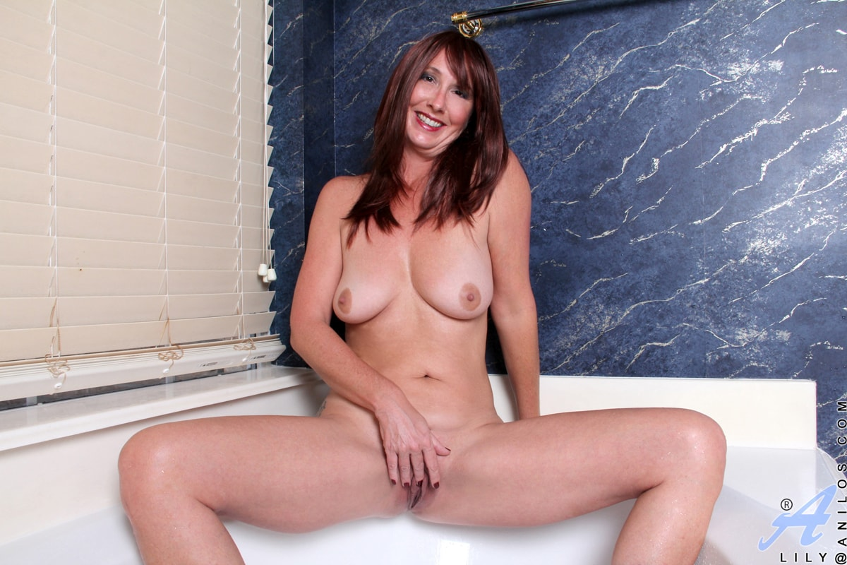 Anilos 'Water Stimulation' starring Lily (Photo 8)