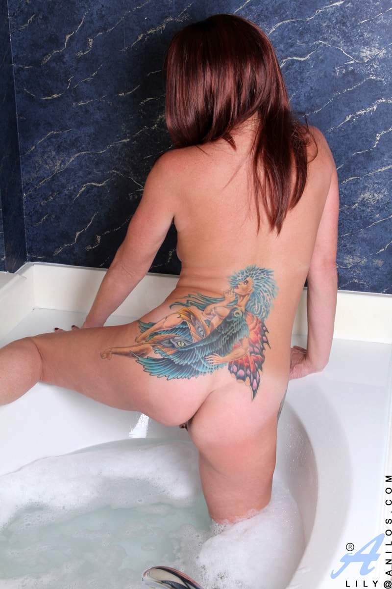 Anilos 'Water Stimulation' starring Lily (Photo 10)