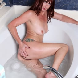 Lily in 'Anilos' Water Stimulation (Thumbnail 13)