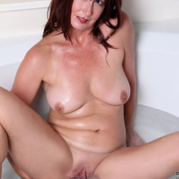 Lily in 'Anilos' Water Stimulation (Thumbnail 14)
