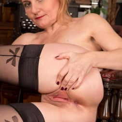 Lily Roma in 'Anilos' Getting Busy In The Office (Thumbnail 8)