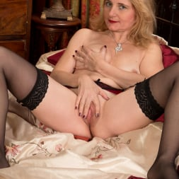 Lily Roma in 'Anilos' Looking Cute As Ever (Thumbnail 14)