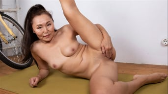 Lira Kissy in 'Yoga And Masturbation'
