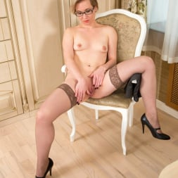 Lisa Young in 'Anilos' Thigh Highs (Thumbnail 11)
