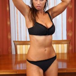 Liya Lucky in 'Anilos' Curvy Russia Beauty (Thumbnail 5)