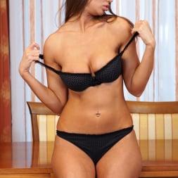 Liya Lucky in 'Anilos' Curvy Russia Beauty (Thumbnail 6)