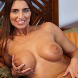 Liya Lucky in 'Anilos' Smother Me (Thumbnail 10)