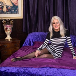 Lu Elissa in 'Anilos' Fishnet Stockings (Thumbnail 1)