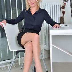 Luci Angel in 'Anilos' Blonde Secretary (Thumbnail 2)