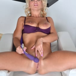 Luci Angel in 'Anilos' Purple Vibe (Thumbnail 13)