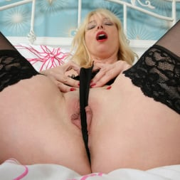 Lucy in 'Anilos' Hot Mama And Her Toy (Thumbnail 6)