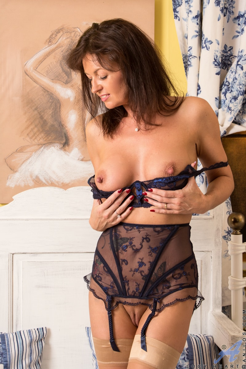 nude-lingerie-mom-plus-size-women-naked-sex