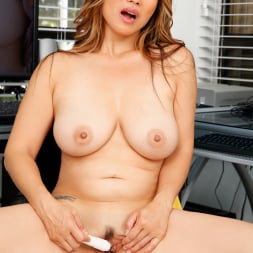Lucy Page in 'Anilos' Naughty Milf (Thumbnail 13)