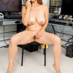 Lucy Page in 'Anilos' Naughty Milf (Thumbnail 15)