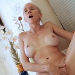 Madison Mayhem in 'Anilos' Experienced Woman (Thumbnail 11)
