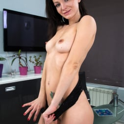Magda in 'Anilos' Dripping Wet (Thumbnail 6)