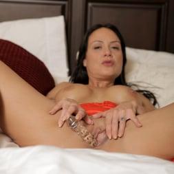 Mahina Zaltana in 'Anilos' Busty Tease (Thumbnail 8)