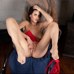 Mia in 'Anilos' Nude For You (Thumbnail 12)