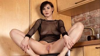 Mia in 'Sexual Feeling'