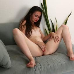 Mia Molly in 'Anilos' Sexual Peak (Thumbnail 15)