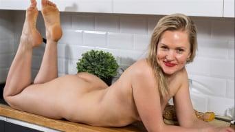 Midge in 'Blonde Babe'