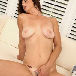 Mimi Moore in 'Anilos' Naughty Thoughts (Thumbnail 14)