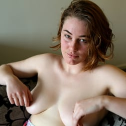 Molly Broad in 'Anilos' Toy Play (Thumbnail 4)