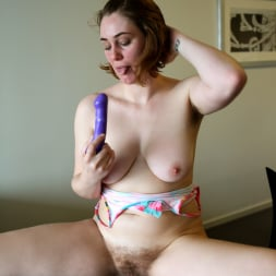 Molly Broad in 'Anilos' Toy Play (Thumbnail 7)