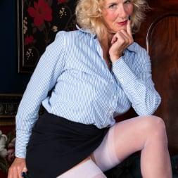 Molly Maracas in 'Anilos' Mature Pleasure (Thumbnail 2)