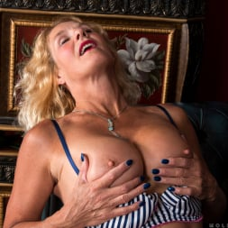 Molly Maracas in 'Anilos' Mature Pleasure (Thumbnail 9)