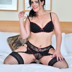Montse Swinger in 'Anilos' Bedroom Eyes (Thumbnail 5)