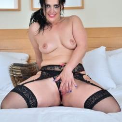 Montse Swinger in 'Anilos' Bedroom Eyes (Thumbnail 8)