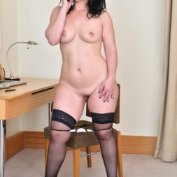 Montse Swinger in 'Anilos' Sexy Business Lady (Thumbnail 11)